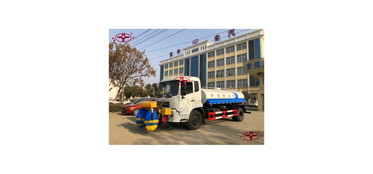 东风国五高速护栏清洗车