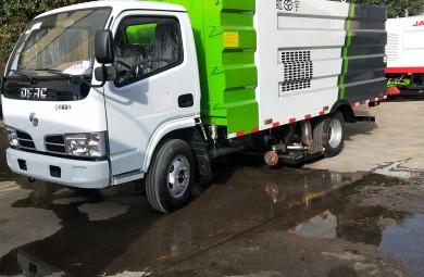 辽阳粉尘车间3300轴距小型干式吸尘车作业案例