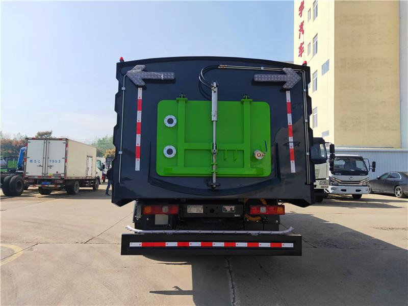陕汽18吨洗扫车